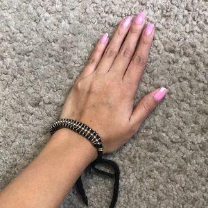Jewelry - FREE W/ ANY PURCHASE! Black/Gold bracelet